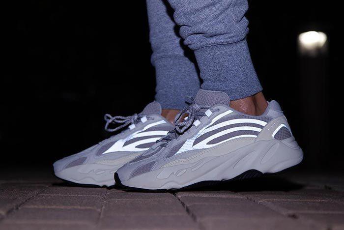 giày yeezy 700 static
