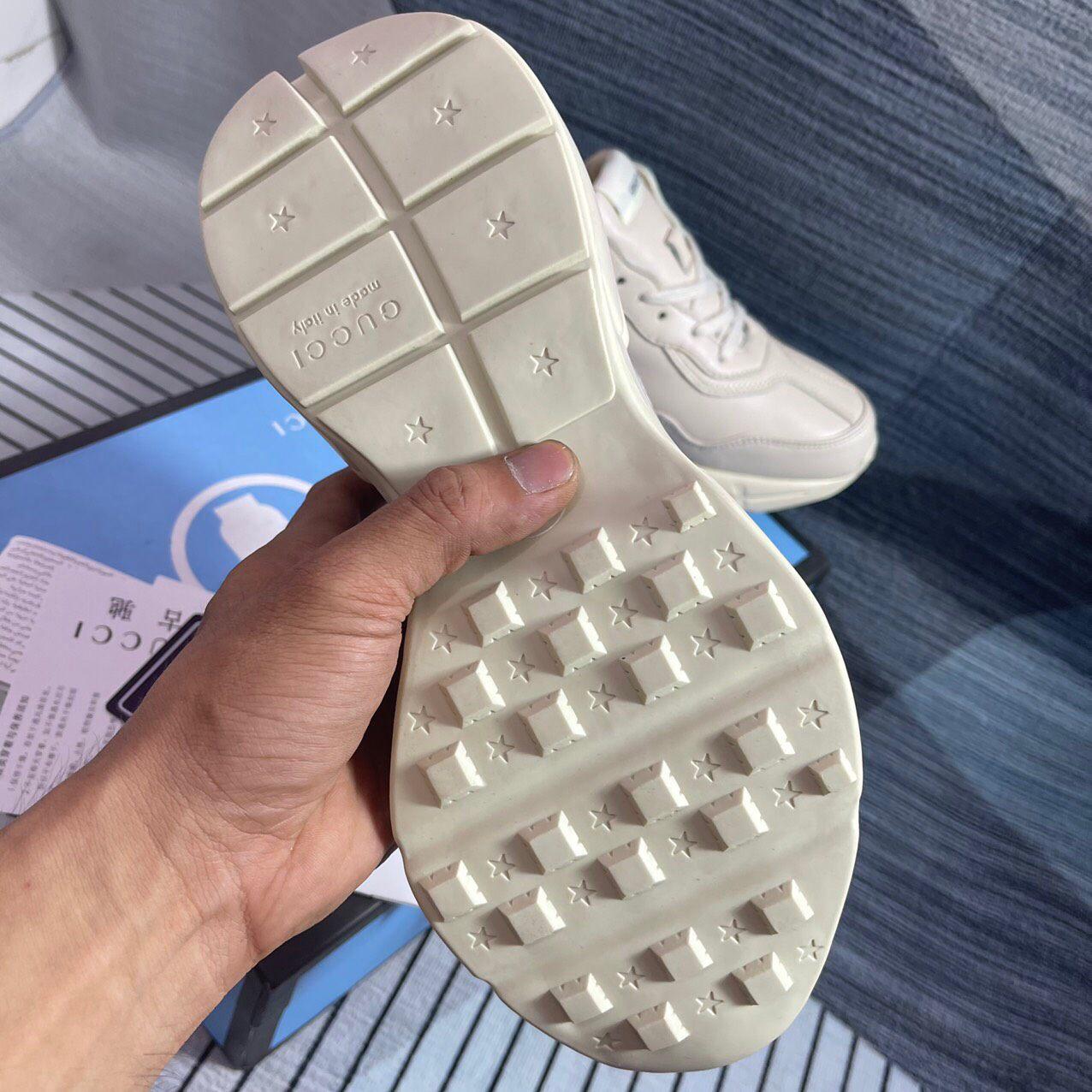 đế giày gucci rhyton logo chunky