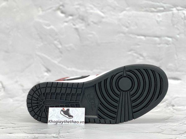 �ế giày Nike Air Jordan 1 Mid Chicago Toe
