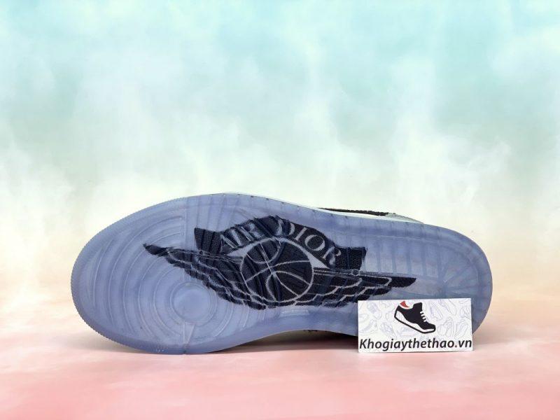 �ế giày Nike Air Jordan 1 Retro Low Dior