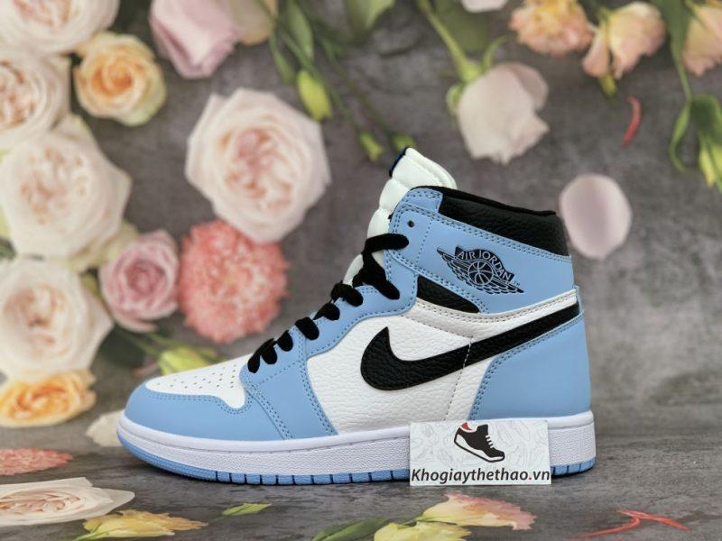 Nike Air Jordan 1 Retro High University Blue