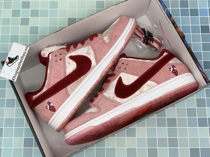 đôi giày nike sb dunk hồng