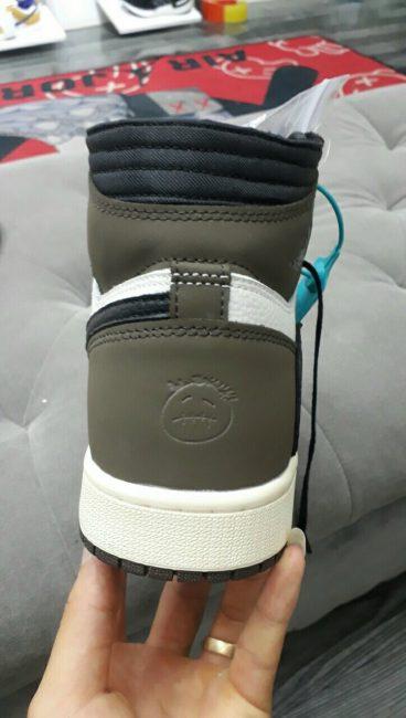 Nike Air Jordan 1 Retro High Travis Scott 11