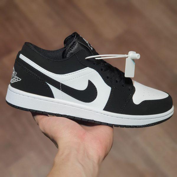 Giày Nike Air Jordan 1 Low Đen Trắng