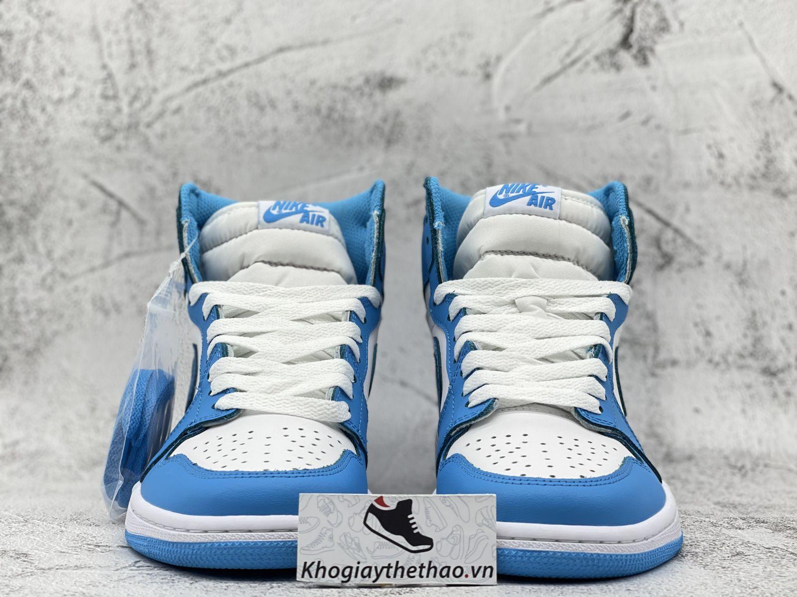 Air Jordan 1 Retro UNC