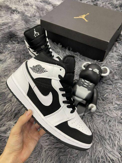 Nike Air Jordan 1 Mid Tuxedo 11