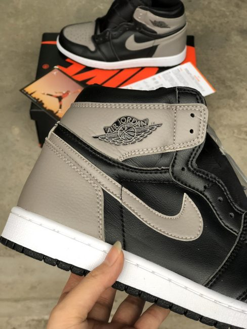 Nike Air Jordan 1 Retro High 'Shadow' 11