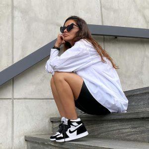 outfit giày air jordan 1 đen trắng panda cùng quần short nữ